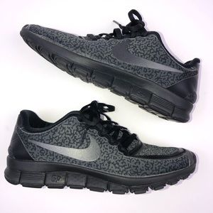 7531c5b2b4c1e Nike. Nike free run 5.0 Black Retro Running shoe ...